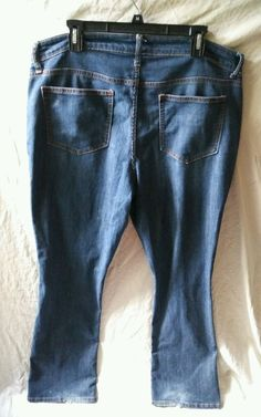 """This is a pre-owned jeans. There is fraying on cuffs. Waist measures 39"""" and Inseam measures 34"""". 