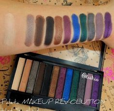 Makeup Revolution - Paleta de sombras de ojos Redemption - Hot Smoked