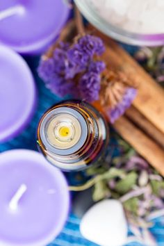 Therapeutic uses include:�Acne, Alopecia (loss of hair), Anxiety, Asthma, Bee and Wasp Stings, Bronchial Problems, Depression, Eczema, Dermatitis, Flu, Insect Repellent�