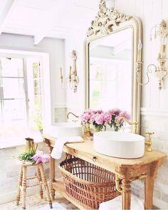 Sweet Romance, Bathroom