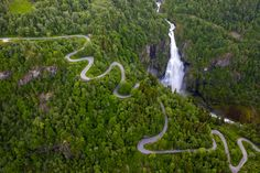 A winding road that goes through a lush forest and ends up 250 meters down to the valley below, and next to it the magnificent Sivlefossen waterfall, with its thunderous roar falls 165 meters straight down vertically. Winding Road, Beautiful Images, Lush, Waterfall, River, Landscapes, Outdoor, Paisajes, Outdoors