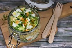 Couscous Avocado Eier Salat im Glas Rezept vegetarisch einfach vorbereiten