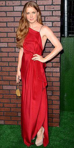 Amy Adams in #asymmetric scarlet silk gown by Roksanda Ilincic, which featured a pretty cascading ruffle down one side.