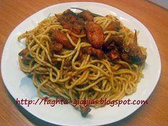 Χταπόδι μακαρονάδα Greek Beauty, Greek Recipes, Seafood, Spaghetti, Lose Weight, Keto, Pasta, Ethnic Recipes, Sea Food