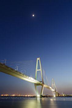 Meiko Triton Three Bridges, Nagoya, Japan 伊勢湾岸自動車道 名港トリトン
