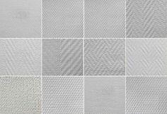 Glasvezelbehang is een redelijk nieuwe behang soort. deze behang soort is gemaakt van fijne glasvezels. Glasvezelbehang is maar in 1 kleur leverbaar maar je kan het makkelijk verven. Het nadeel van glasvezelbehang is dat het lastig te verwijderen is. Glasvezel behang word ook vaak gebruikt om muren die beschadigt zijn te versterken.