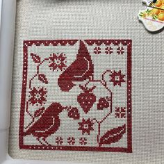Cute Cross Stitch, Cross Stitch Patterns, Country Critters, Halloween Creatures, Palestinian Embroidery, Dmc Floss, Back Stitch, Crochet Crafts, Bunting