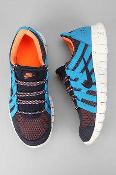 Sleek and minimal for the modern runner. #urbanoutfitters #nike