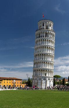 Pisa, Italy, asentamiento diferencial