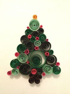 Christmas ornament with quills - - Quilling Paper Crafts Neli Quilling, Paper Quilling Cards, Origami And Quilling, Paper Quilling Patterns, Quilled Paper Art, Quilling Paper Craft, Paper Crafts, Quilling Ideas, Quiling Paper