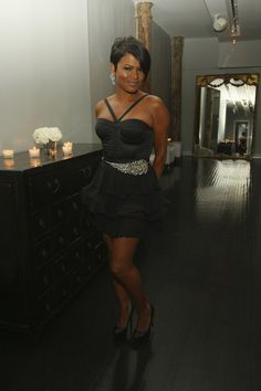 Nia Long is a famous black super stars who has been known by her diverse, yet sexy hairstyles. Nia has worn those hairstyles for the short to the long hair. Beautiful Black Women, Beautiful People, Beautiful Space, Short Styles, Long Hair Styles, Look 2018, Nia Long, Black Actresses, Hollywood Actresses