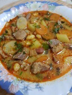 Paraszt gulyás Hungarian Cuisine, Hungarian Recipes, Hungarian Food, Soup Recipes, Cooking Recipes, Health Dinner, Veggie Soup, Food 52, International Recipes