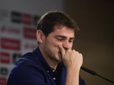 Iker Casillas says goodbye to Real Madrid after Porto move Iker Casillas, the feels :,( Real Madrid Football Club, Real Madrid Players, Joueurs Real Madrid, Messi Argentina, Best Essay Writing Service, Santiago Bernabeu, European Soccer, Cristiano Ronaldo Cr7, Fc Chelsea