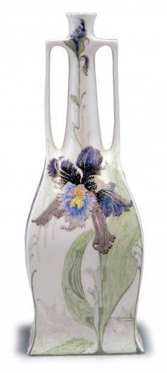 Samuel Schellink. Haagsche Plateelbakkerij Rozenburg. Vase with orchids, 1905. H. 19.2 cm.