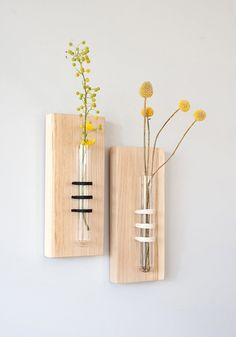 Special tube vase wrapped and sticked to a solid oak board. Pure and simple presence. Perfect for your kitchen, living room and office.  Thread color for your choice: black, grey, fresh green, cotton off-white  Size: Tube: 5.9 (15 cm) height / 1 (2.5 cm) diameter Board: solid oak 8.3 x 3.5 x 0.8 (21 x 9 x 2 cm)  ------------------------ See our other unique tube vase: https://www.etsy.com/il-en/listing/233938463/glass-tube-vase-hanging-vase-flower-vase?ref&#...