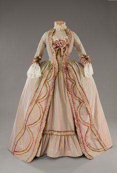 Gown worn by Marie Antoinette, 1780s