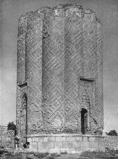 Garabaghlar Mausoleum, 14th century