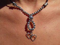 Collier court en perles métal argentés et breloque coeur : Collier par axellecreations