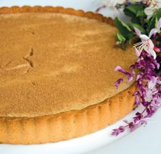 hmmm Perfect for tea time: rooibos tea milk tart Tart Recipes, Sweet Recipes, Baking Recipes, South African Desserts, Milk Tart, What To Cook, Desert Recipes, High Tea, Kitchens