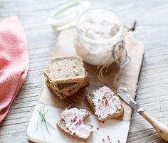 Et si vous organisiez un brunch à Pâques ? Découvrez toutes nos recettes, dont les étonnantes rillettes de radis rose cream cheese