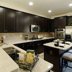backsplash w/ dark cabinets, also love the layout