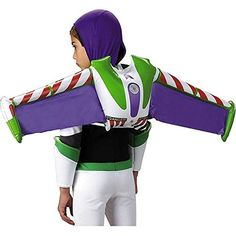 Grab Woody and fly off to infinity and beyond wearing this official Disney Toy Story and Buzz Lightyear Jet pack! When added to the Buzz Lightyear children's costume, your little one will be able to soar to new heights. Jet pack wings are inflatable. Disfraz Buzz Lightyear, Buzz Lightyear Costume, Toy Story Buzz Lightyear, Hallowen Costume, Toddler Halloween Costumes, Halloween Kids, Buzz Costume, Pixar Costume, Trendy Halloween