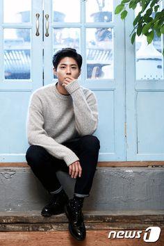 Park bo gum -->you have no idea. He looks so much better with short hair or with his hair gelled up Korean Male Actors, Asian Actors, Korean Celebrities, Celebs, Hot Asian Men, Asian Boys, Korean Star, Korean Men, Kim Yoo Jung Park Bo Gum