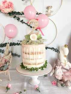 Simple And Sweet Maileg Birthday Party Birthday Drip Cake, Second Birthday Cakes, Tea Party Birthday, Birthday Cake Girls, Birthday Ideas, Nake Cake, Small Birthday Parties, Boho Cake, Smash Cake Girl