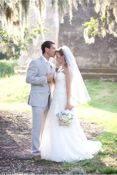 A Bald Head Island Real Wedding Photographed by KMI Photography / aqua, pink, and lavender details / via StyleUnveiled.com