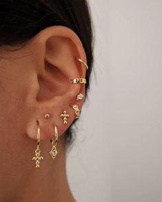 Pearl Cube Gold Ear Jackets – ear jackets / gold ear jacket / ear jacket earrings / modern earrings / statement earrings / gifts for her – Fine Jewelry Ideas – Best Accessories Piercings Helix, Ear Peircings, Cute Ear Piercings, Piercing Tattoo, Bellybutton Piercings, Body Piercings, Unique Piercings, Different Ear Piercings, Double Piercing