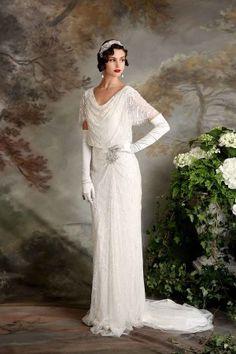 Amazing bridal collection by Eliza Jane Howell - Hochzeitskleid - Vestidos Flapper Wedding Dresses, Vintage Inspired Wedding Dresses, Bridal Dresses, Wedding Gowns, 1920s Wedding Hair, Bridesmaid Dresses, Vintage Weddings, Event Dresses, Wedding Wear