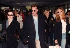 """frie-nds: """" March 1998 - Courteney Cox, Matthew Perry and Jennifer Aniston arrive at London Heathrow airport """" Friends Tv Show, Friends Funny Moments, Friends Scenes, Friends Cast, Friends Episodes, All Friends, Friends Forever, Ross Geller, Phoebe Buffay"""