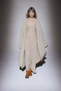 The Row Fall 2016 Ready-to-Wear Fashion Show Fall Fashion 2016, Runway Fashion, Autumn Fashion, Womens Fashion, Live Fashion, Fashion Show, Fashion Weeks, Style Casual, Couture Collection