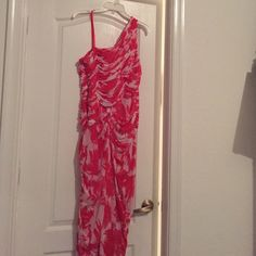 Dress Has the price tag attached to it. Adrianna Papell Dresses One Shoulder