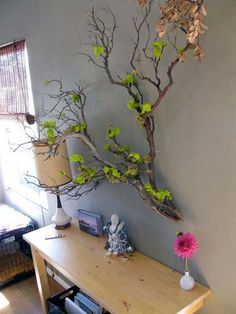 Enhance the beauty of your interior by using the metal tree wall art Tree Branch Decor, Tree Branches, Manzanita Branches, Air Plant Display, Deco Nature, Creation Deco, Metal Tree Wall Art, Deco Floral, Air Plants