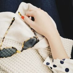 Tortoise shell vintage sunnies + red nails + polka dots