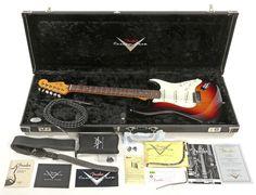Fender American Custom Shop Stratocaster in 3 Color Sunburst with Hardshell Case #Fender