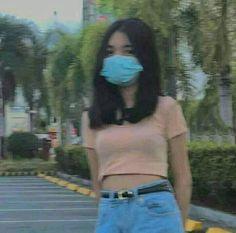 Teen Girl Photography, Photography Poses Women, Cute Selfies Poses, Filipino Girl, Beautiful Girl Makeup, Boy And Girl Best Friends, Mask Girl, Fake Girls, Cute Korean Girl