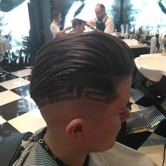 trigonbarber69 (@trigonbarber_69) • Instagram photos and videos High And Tight, Mens Hair Trends, Bald Fade, Bowl Cut, Comb Over, Crew Cuts, Pompadour, Fade Haircut, Perm