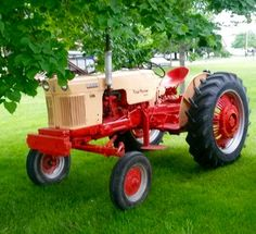 CASE 300 Antique Tractors, Vintage Tractors, Old Tractors, Vintage Farm, Case Tractors, Classic Tractor, Farm Tools, Work Horses, Case Ih