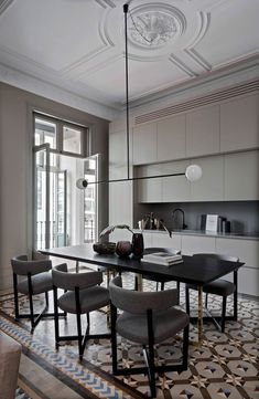 Home Tour: This Barcelona Apartment Is A Creative Mosaic Of Past And Present Dining Room Inspiration, Interior Design Inspiration, Home Interior Design, Interior Decorating, Luxury Interior, Apartment Interior, Kitchen Interior, Küchen Design, House Design