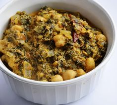 Chana Saag (Chickpeas and Spinach cooked in a Yogurt Gravy) | Honey, What's Cooking?
