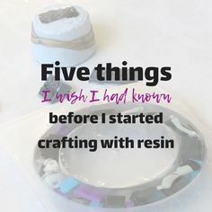 What I wish I would have known about making things with resin. Best Picture For Epoxy Resin Crafts Diy Resin Art, Epoxy Resin Art, Diy Epoxy, Diy Resin Crafts, Uv Resin, Resin Molds, Acrylic Resin, Silicone Molds, Diy Resin Mold
