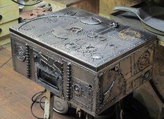 skrzynia metal box, hand made, metal, iron, sculpture, industrial, welding