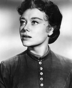 Glynis Johns, one of the most enchanting actresses of the century Glynis Johns, Suffragette, British Actors, Elegant Woman, Old Hollywood, Superstar, Famous People, Love Her