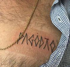 Tatuagens Malfeitonas: o novo sendo incorporado nas tattoos Nova Era, Chain, Tattoos, Blog, Jewelry, Style, Pattern Drawing, Abstract Art Tattoo, Get A Tattoo