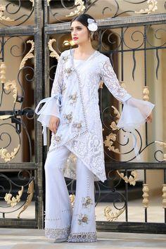 New Arrivals – Henna Mehndi Fancy Dress Design, Stylish Dress Designs, Frock Design, Stylish Dresses, Simple Dresses, Fashion Dresses, Long Dresses, Beautiful Dresses, Designer Party Wear Dresses