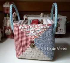 The workshop Maricu Patchwork Log Cabin, Log Cabin Quilts, Storage Pods, Fabric Storage Baskets, Patchwork Bags, Quilted Bag, Small Sewing Projects, Sewing Crafts, Japanese Bag