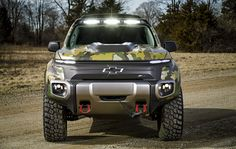 Colorado (Military Truck) WIKI: GM Defense and U. Army TARDEC partnered in 2016 to develop and successfully test the Chevrolet Colorado fuel Best American Cars, Chevrolet Colorado, Chevrolet Silverado, Chevy Trucks, Military, Jacket Men, Leather Jacket, Vehicles, Concert