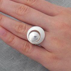 Eleganter, zeitloser Silberring , Damenring von Schmuck-Batih auf DaWanda.com